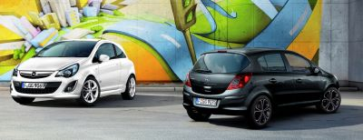 Opel Corsa All Black/All White Color Edition